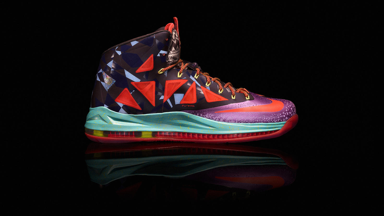 competitive price 87091 ff501 Nike Marks LeBron James s Most Valuable Player Title with LEBRON X ...