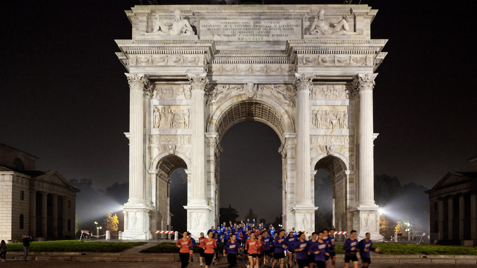 we-own-the-night-milan-arco-della-pace-at-parco-sempione