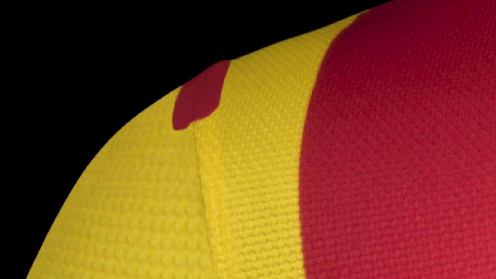 fa13_fb_clubkits_barca_authentic_away_shoulder