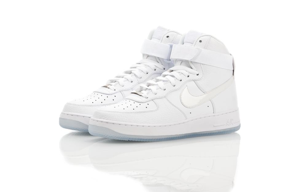 Das Quadras Para as Ruas: Nike Air Force 1 HI CMFT