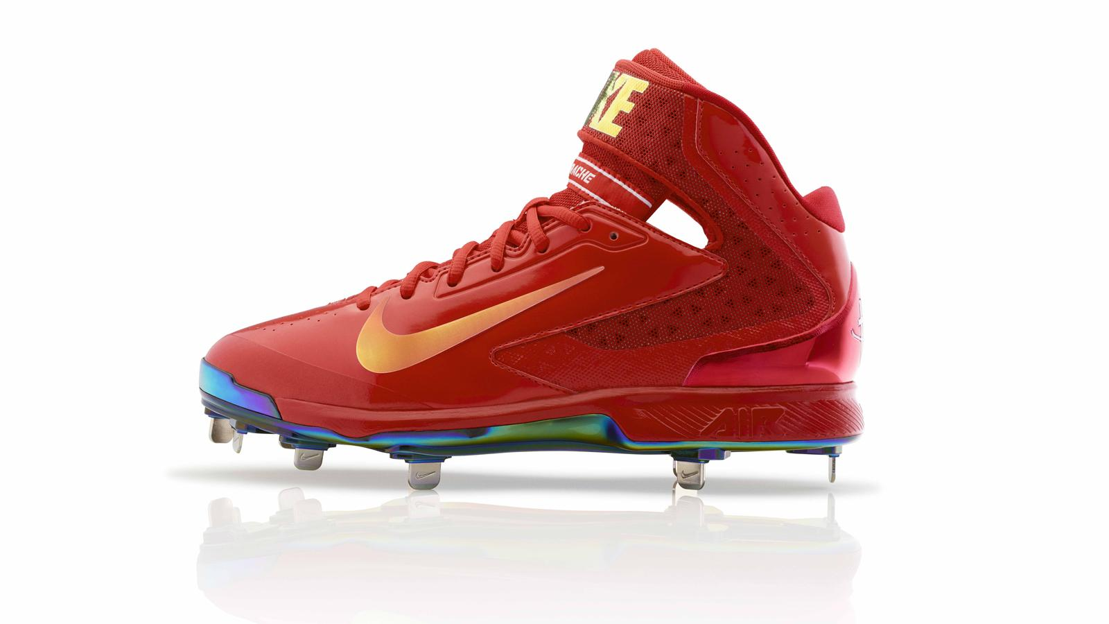 save off ef011 c4bda Nike Red Apple Collection