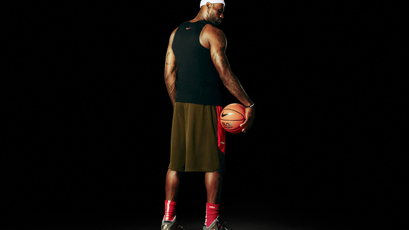 Lebron 11 Provides A Protective Suit For Lebron Jamess Powerful