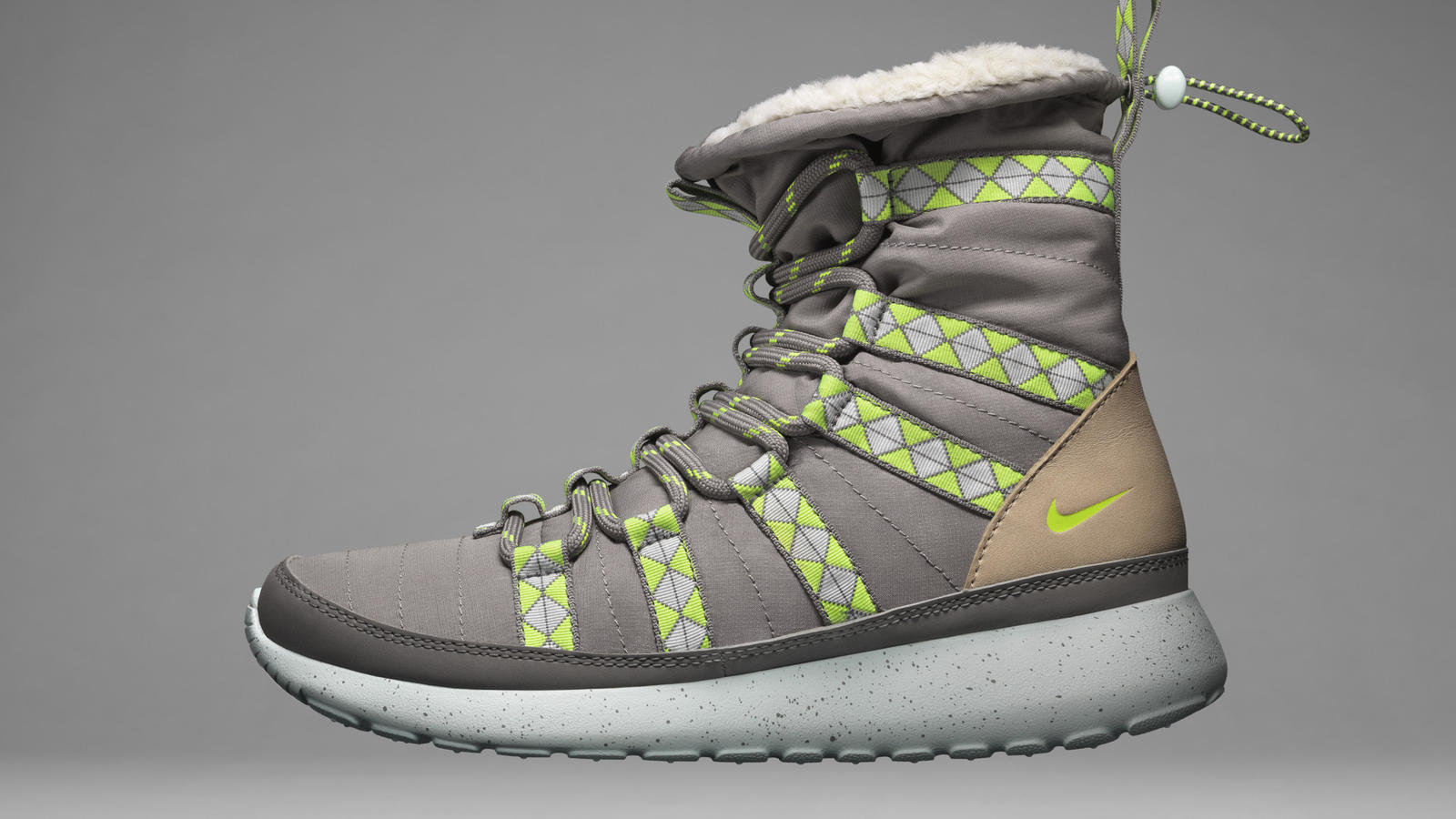 ho13_nsw_sneakerboot_roshe_s_profile_v1