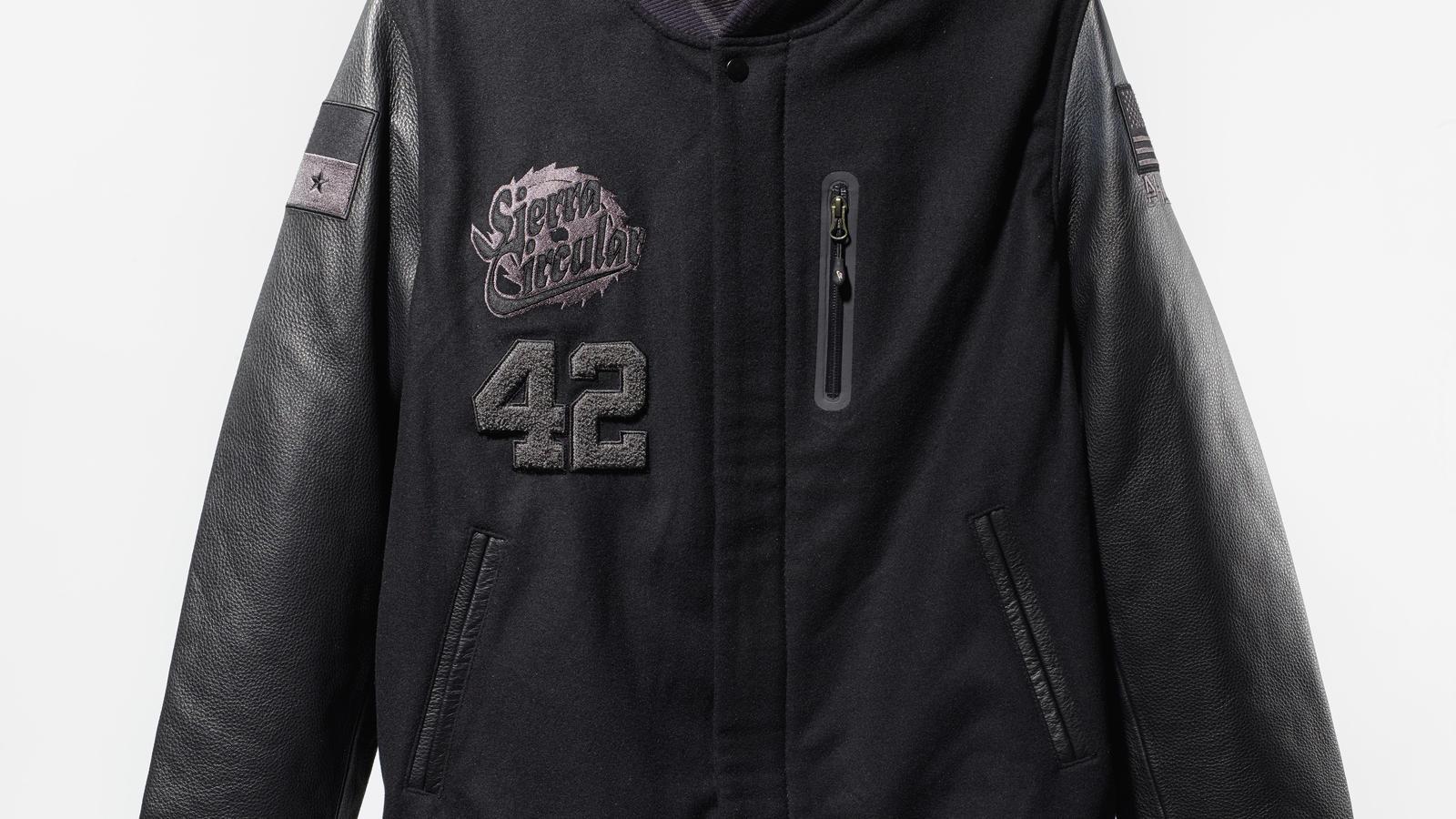 nike_sierra_circular_jacket_front