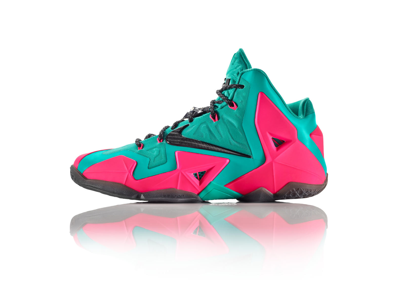 LEBRON 11 iD: Power Harnessed, Creativity Unleashed - Nike ...