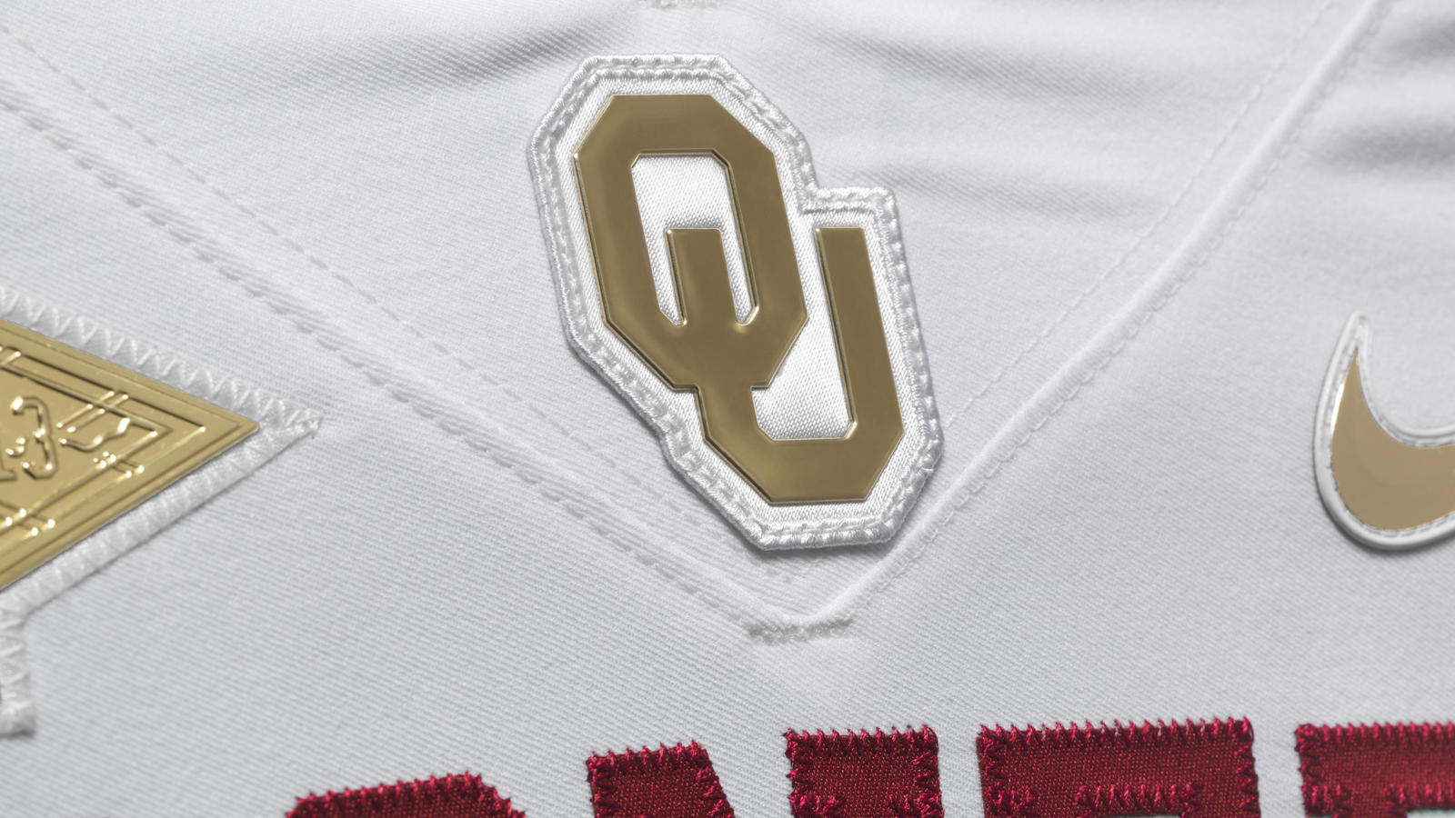 ncaa_fb13_uniforms_oklahoma_ou_0000