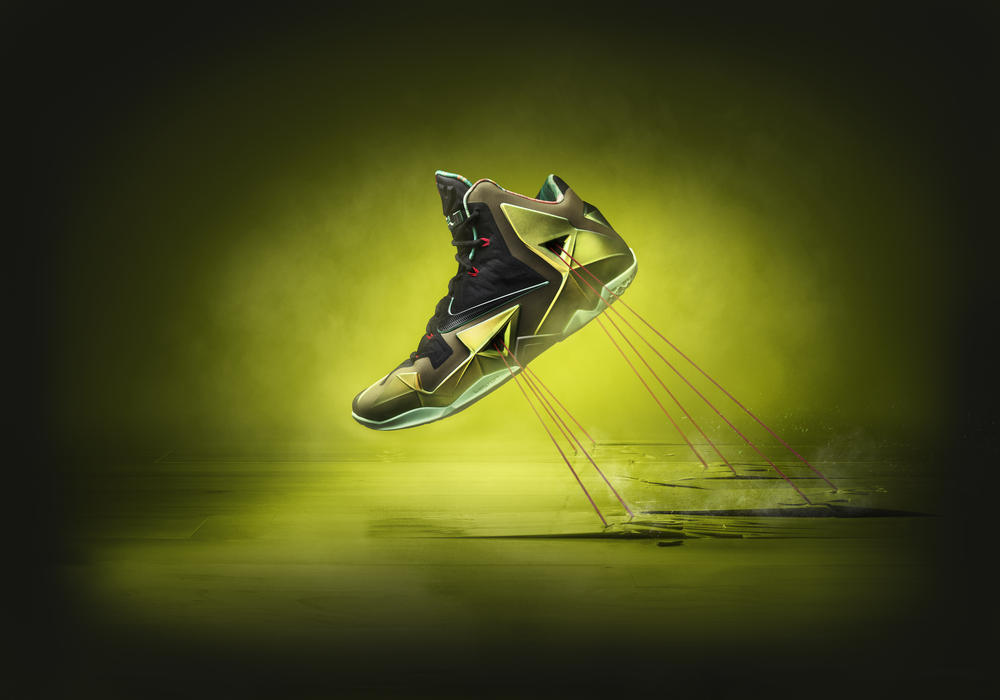 LEBRON 11 Provides a Protective Suit for LeBron James's Powerful Precision