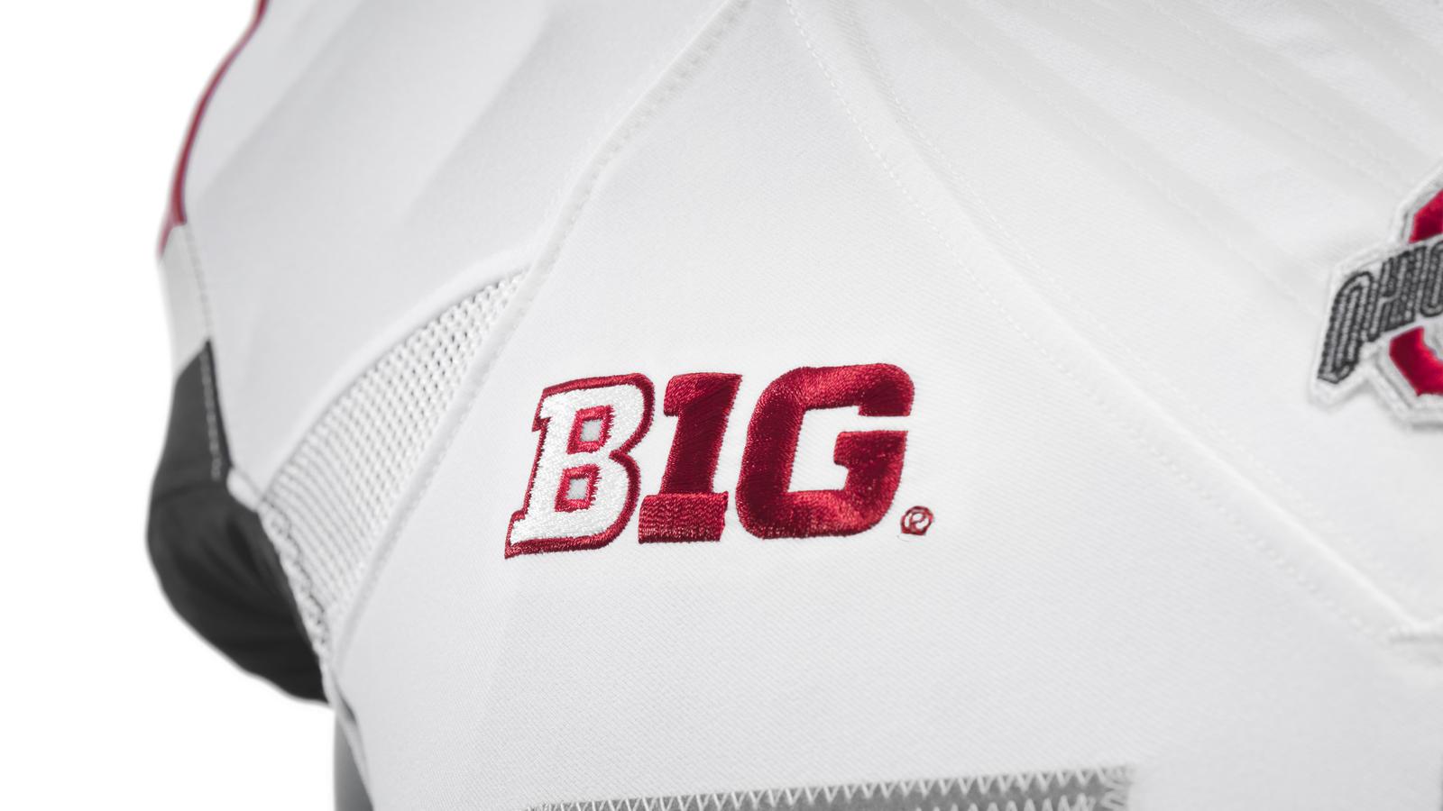 ncaa_fb13_uniforms_ohio_big_0051