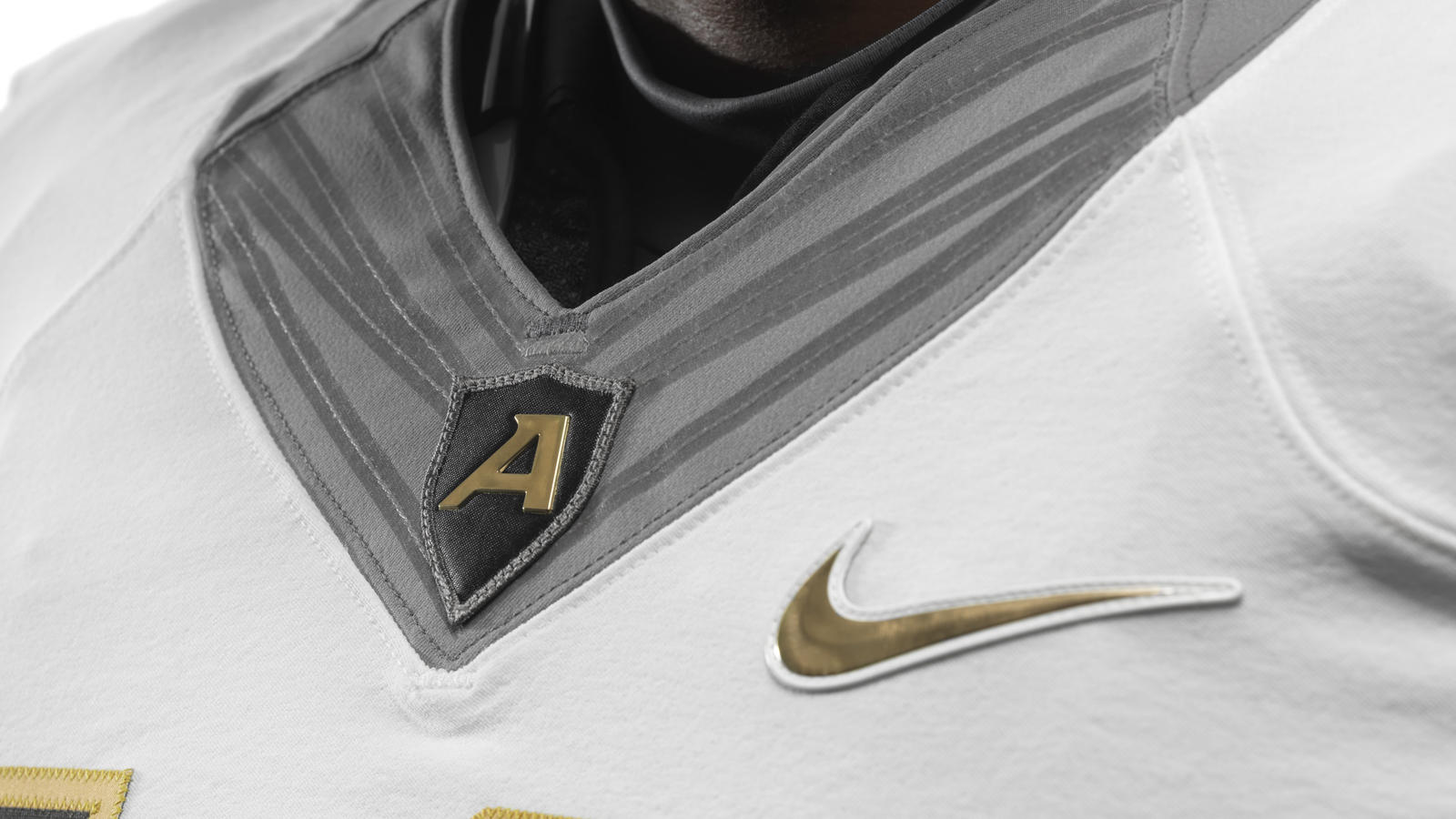 ncaa_fb13_uniforms_army_awithflywire_0025