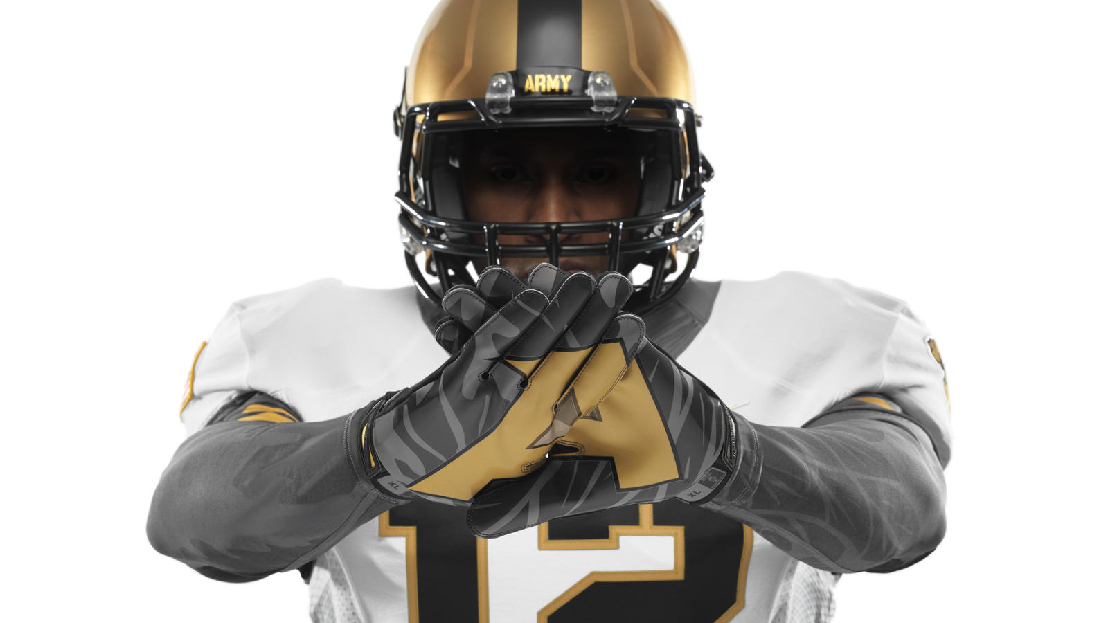 ncaa_fb13_uniforms_army_gloves_0039