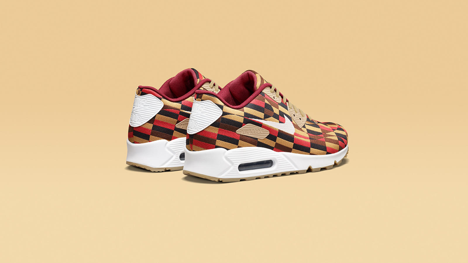 buy popular 8a5f4 03bce Nike x Roundel By London Underground Air Max Collection ...