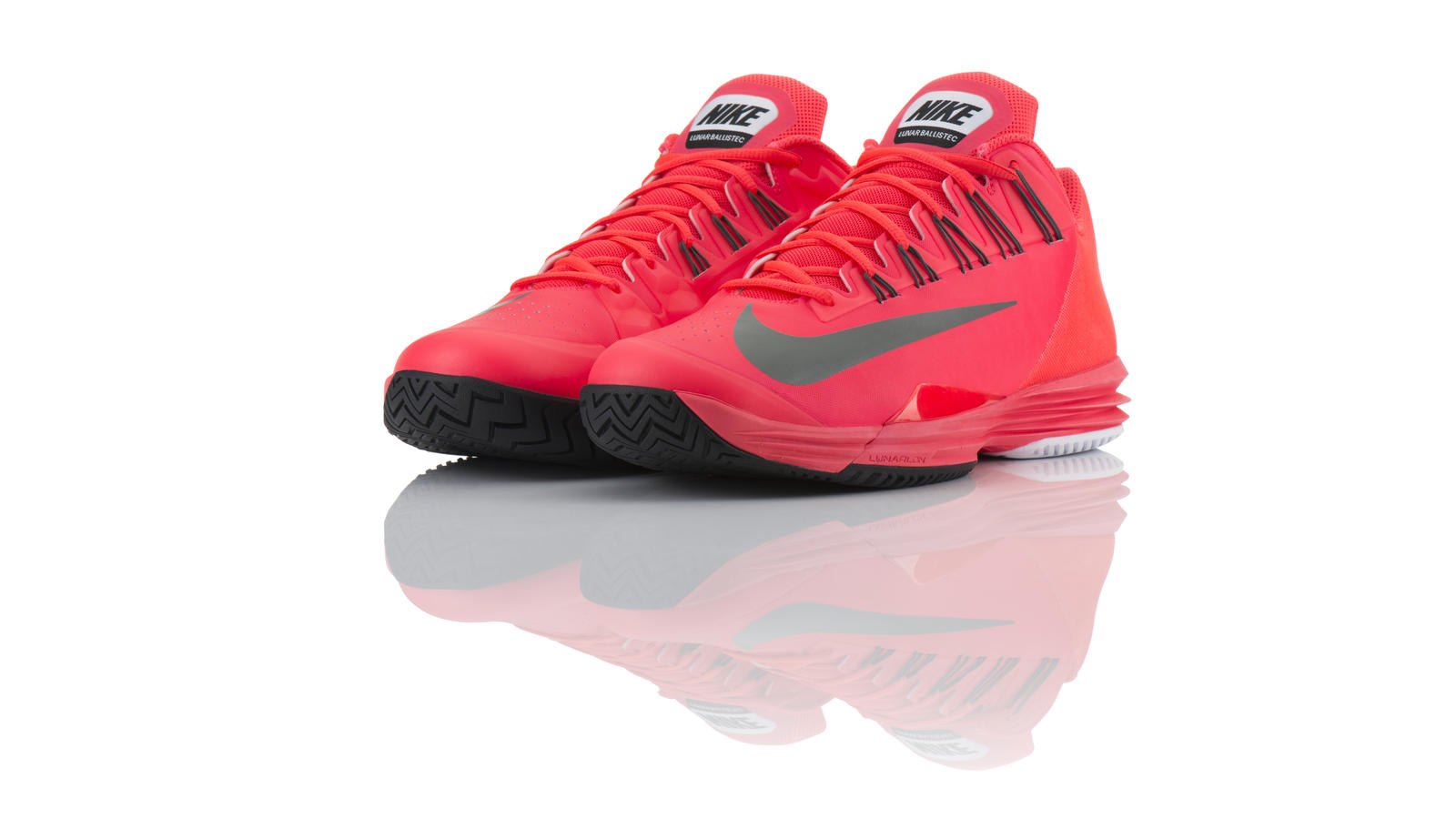nike lunar tennis shoes