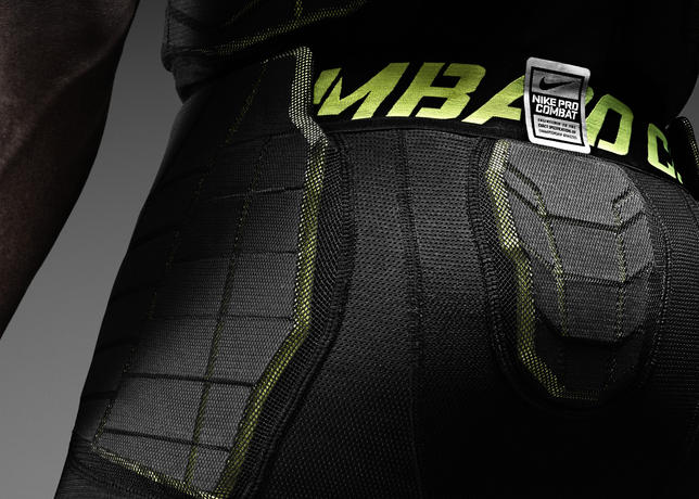 332981580 Providing further baselayer protection in the Nike football uniform system