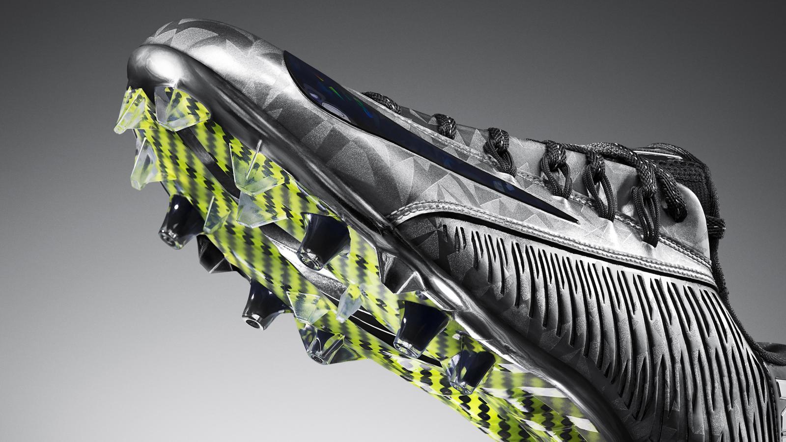 Mens Nike NFL Vapor Carbon 2.0 Elite 2014 TD Carbon Fiber Flywire Football Cleat