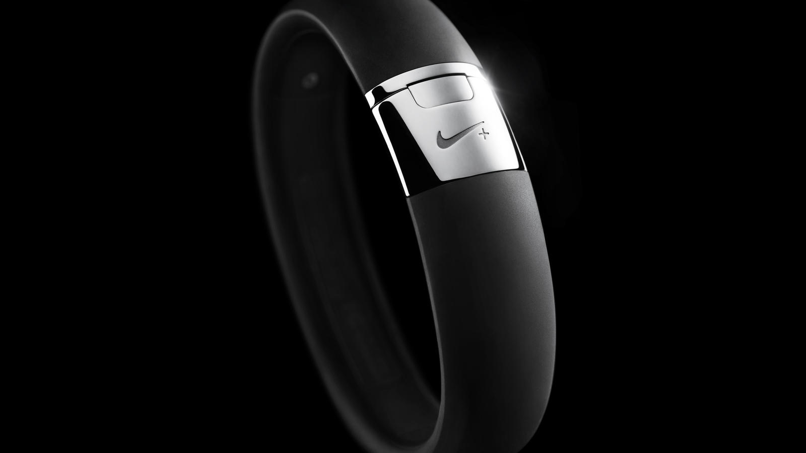 The Latest Nike FuelBand is Still Kind of a Glorified Pedometer pics