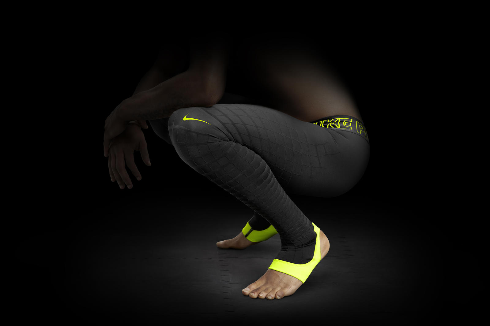 introducing the nike pro combat recovery hypertight nike news. Black Bedroom Furniture Sets. Home Design Ideas