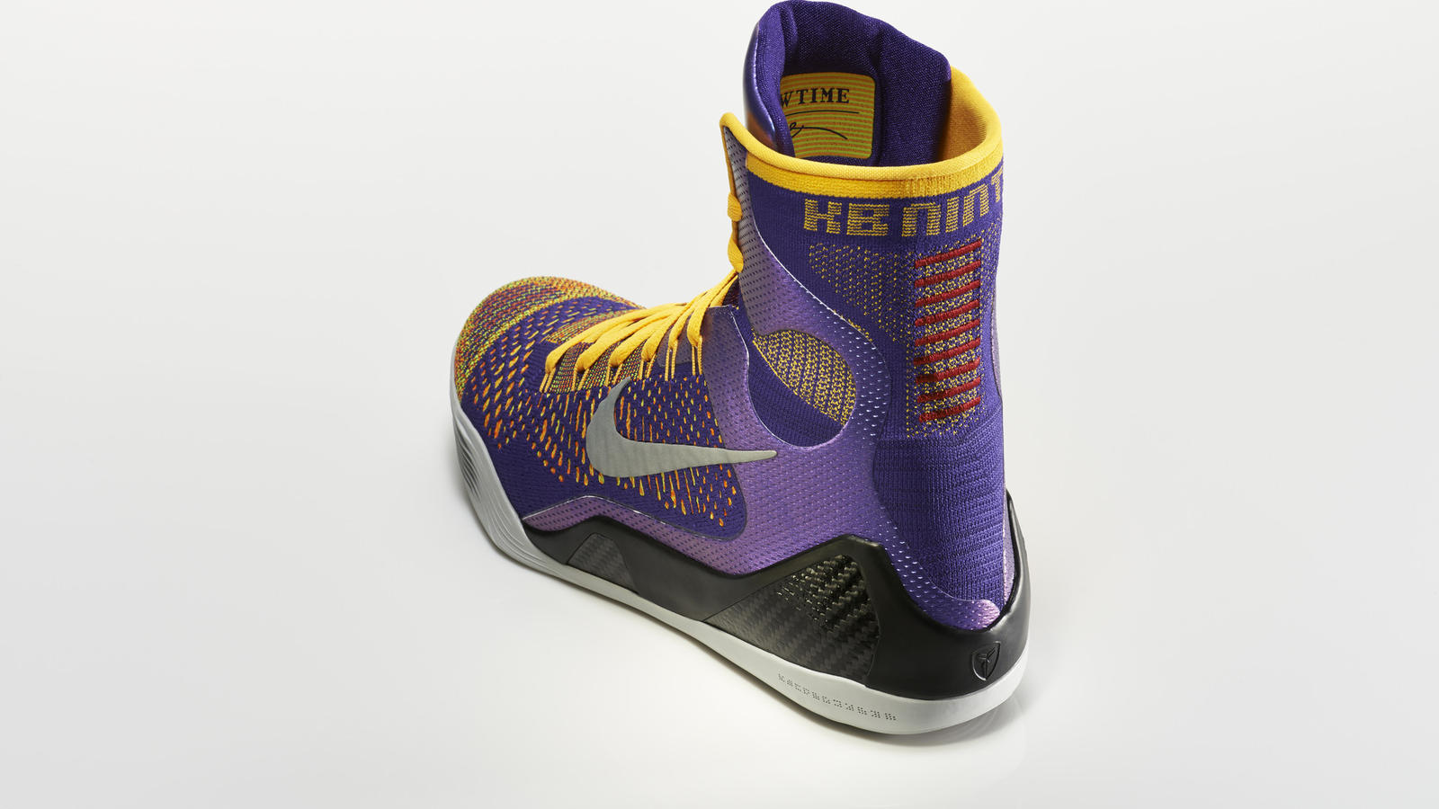 su14_bb_kobe9_elite_630847_500_return_3qtr_back_high_0240