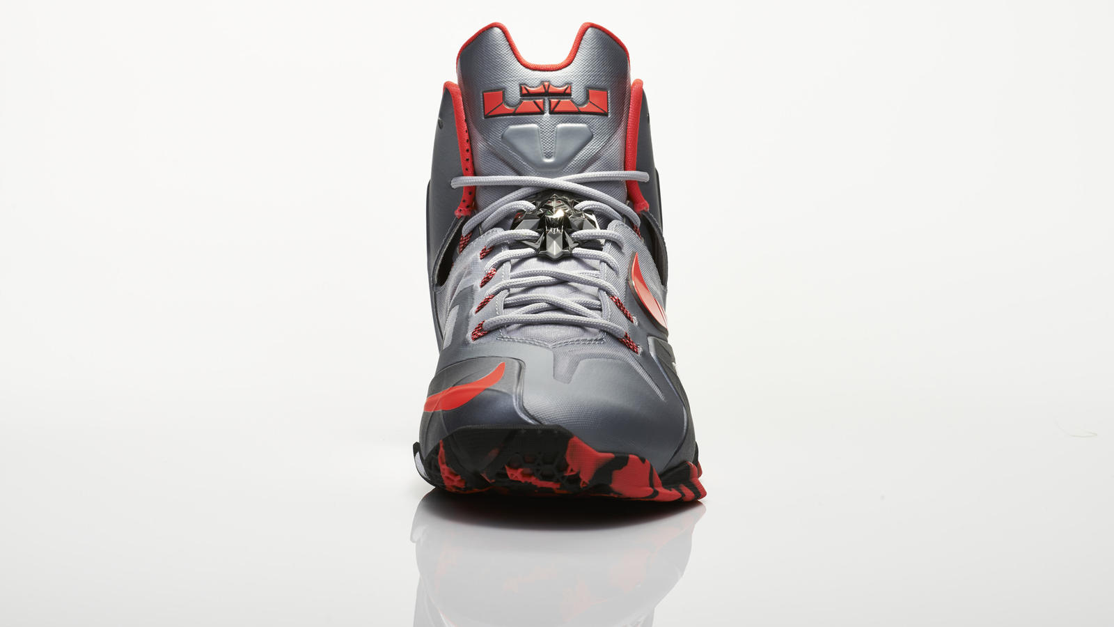 su14_bb_lebron11_elite_642846_001_return_front_0020