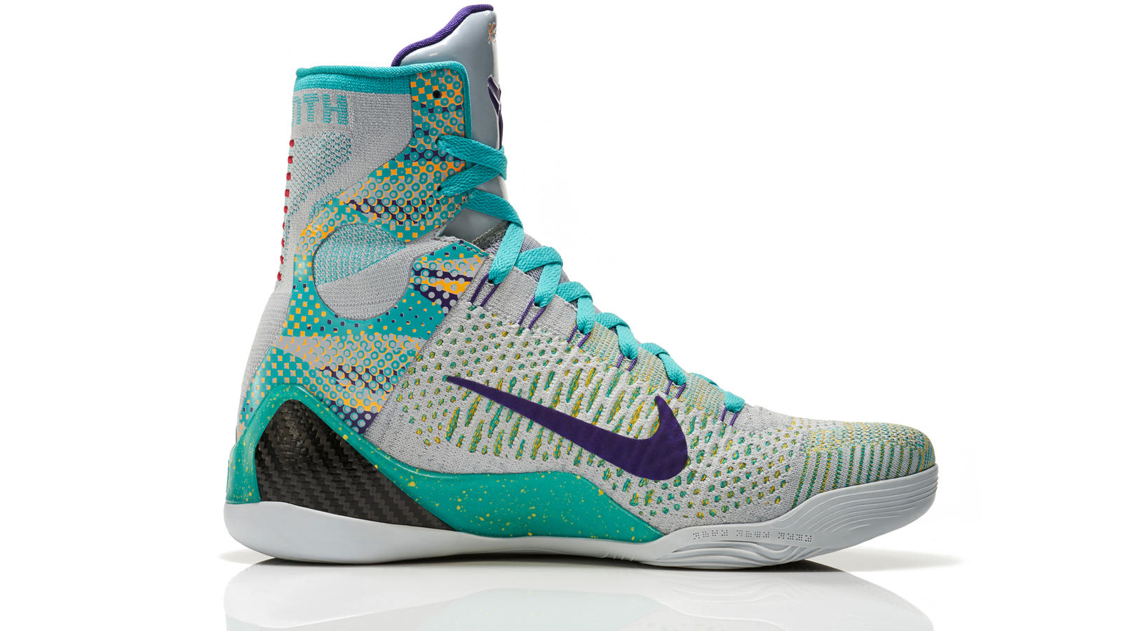 kobe_9_unleashed_005_medial_0294_fb