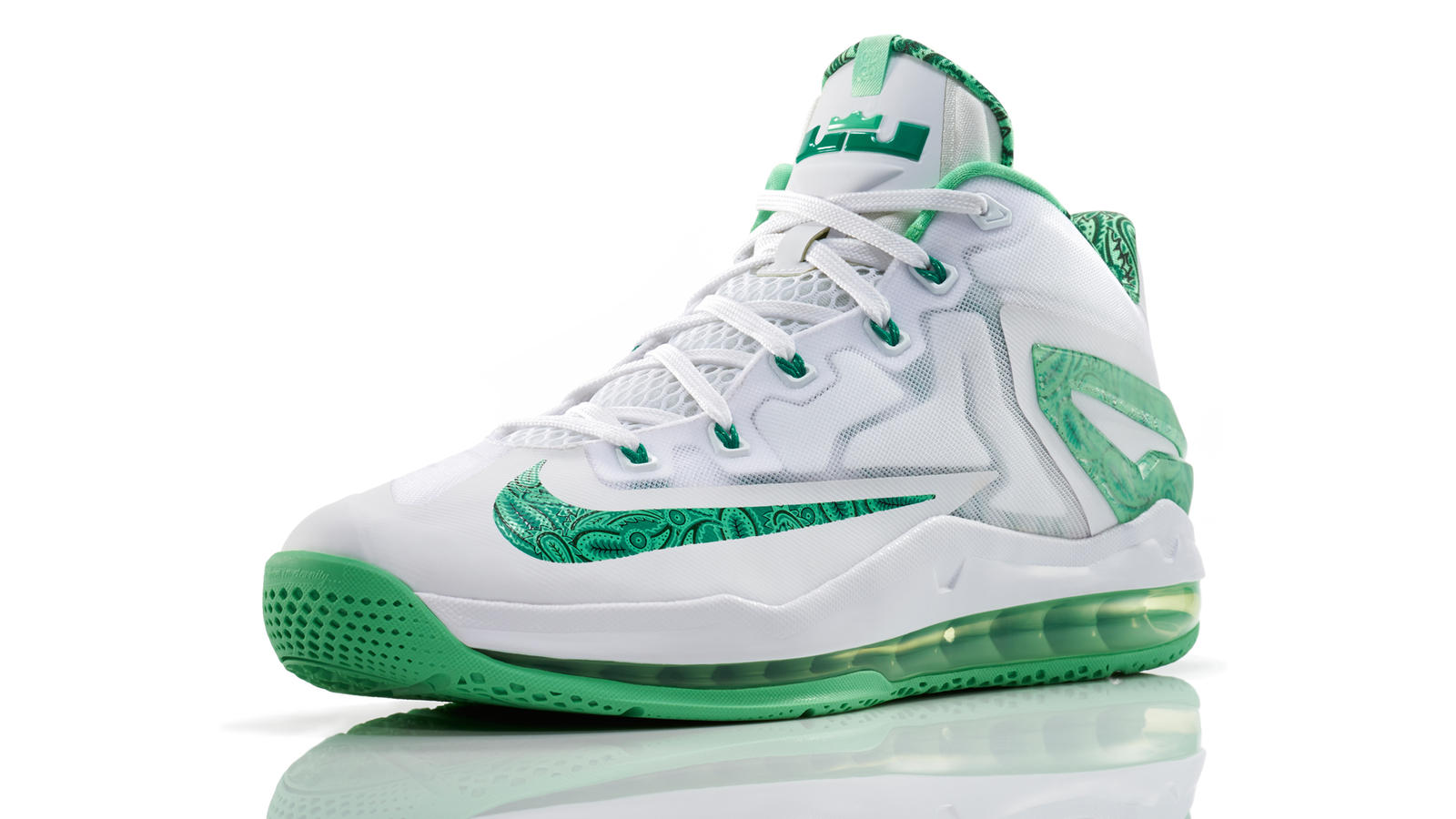 lebron_11_low_easter_100_3qtr_0266_fb