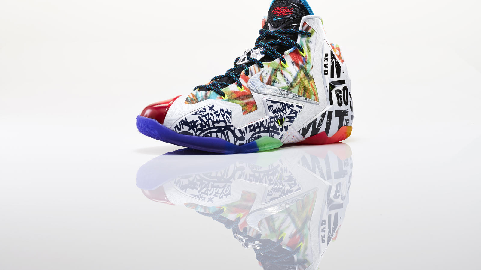 lebron_xi_what_the_left_3qtr