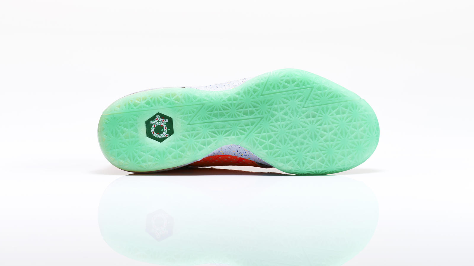 kd_vi_what_the_right_outsole