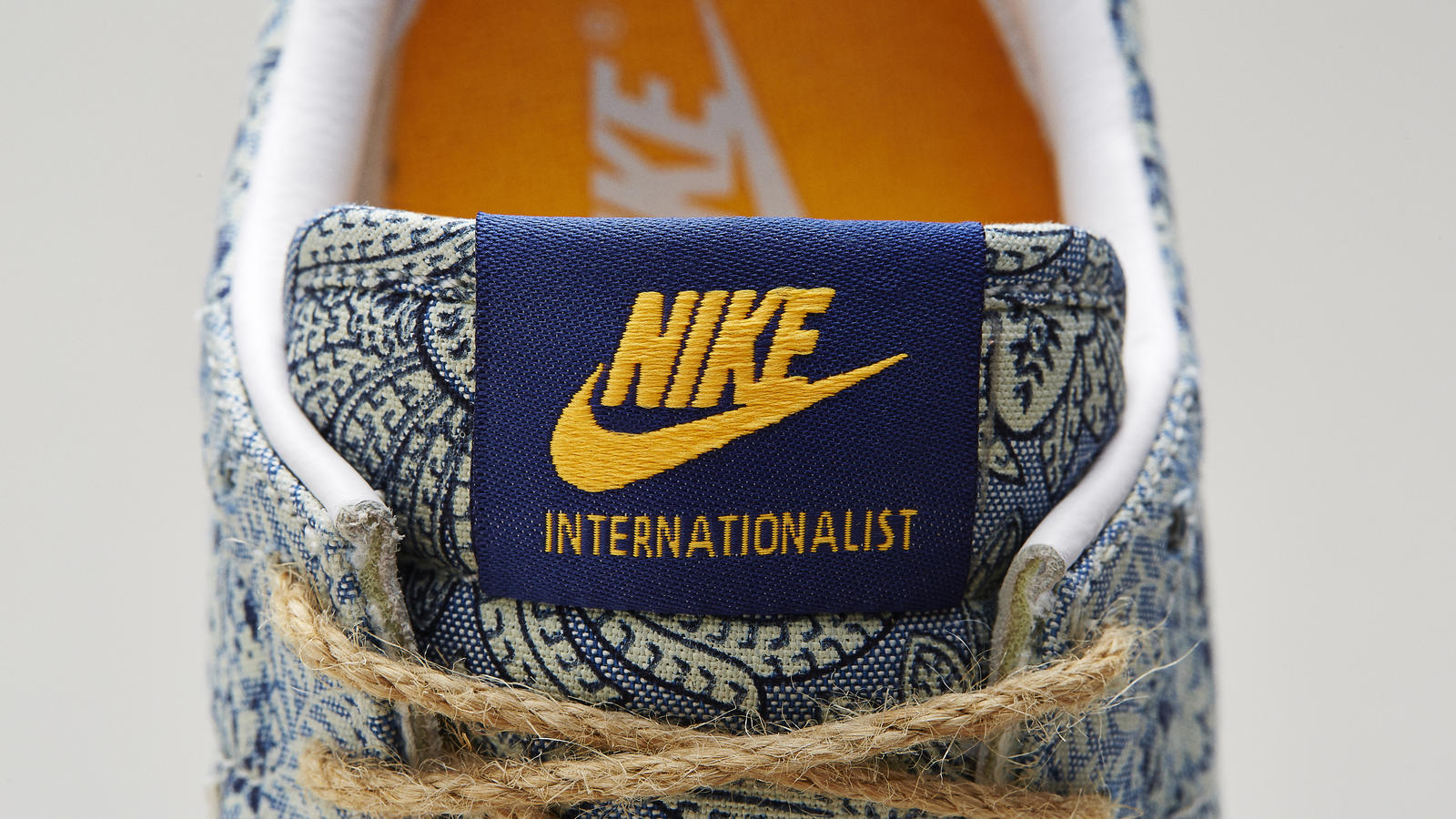 nikexlibertysu14internationalisttongue