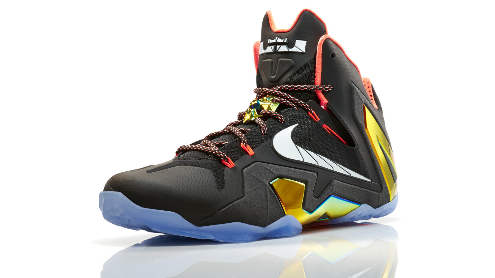 lebron11_quest_100_3qtr_16910_fb