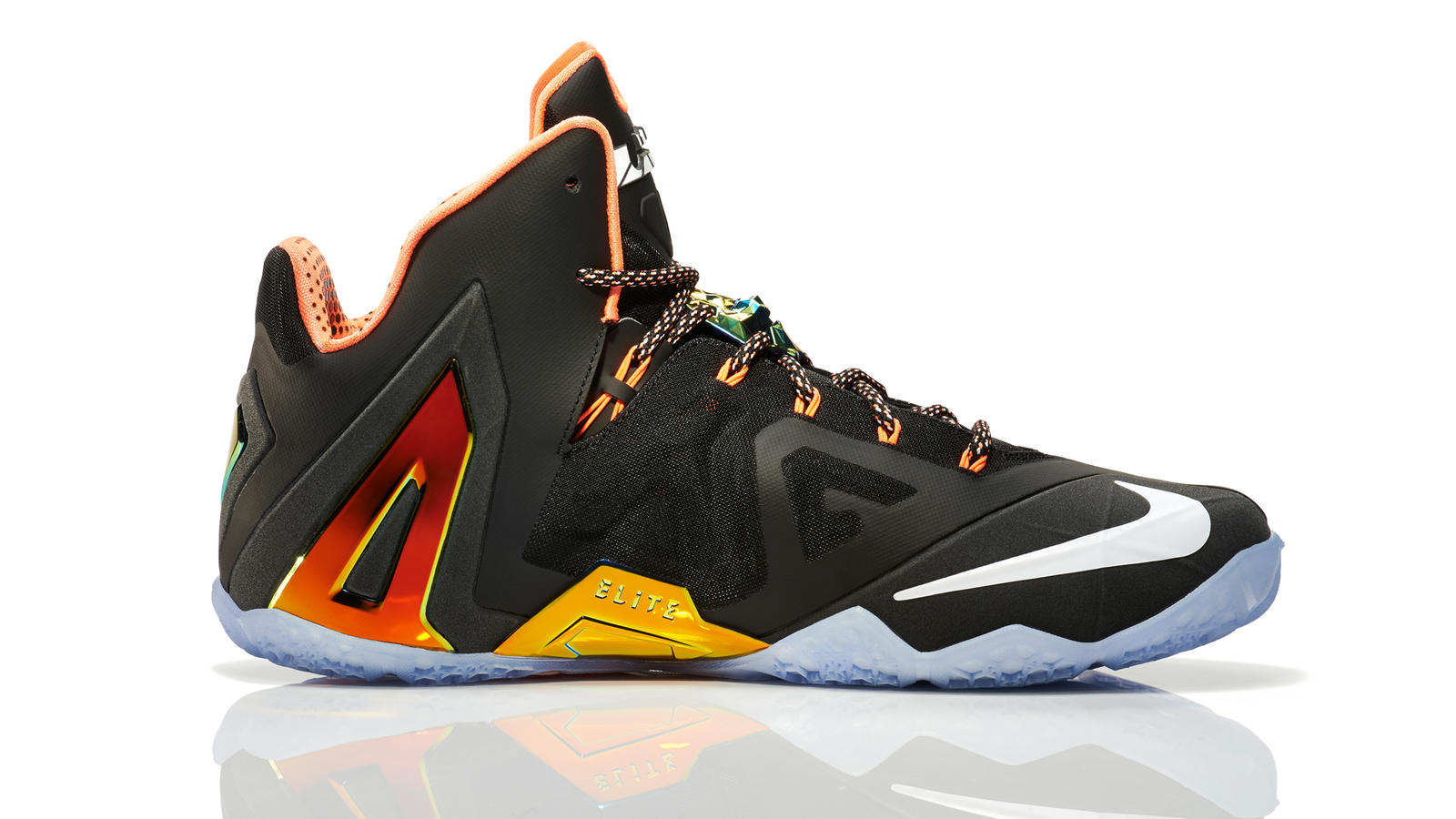 lebron_11_quest_001_medial_0264_fb