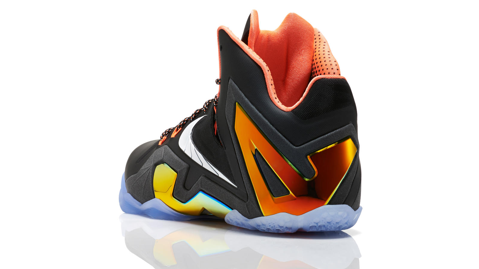 lebron_11_quest_001_3qtr_back_low_0197_fb