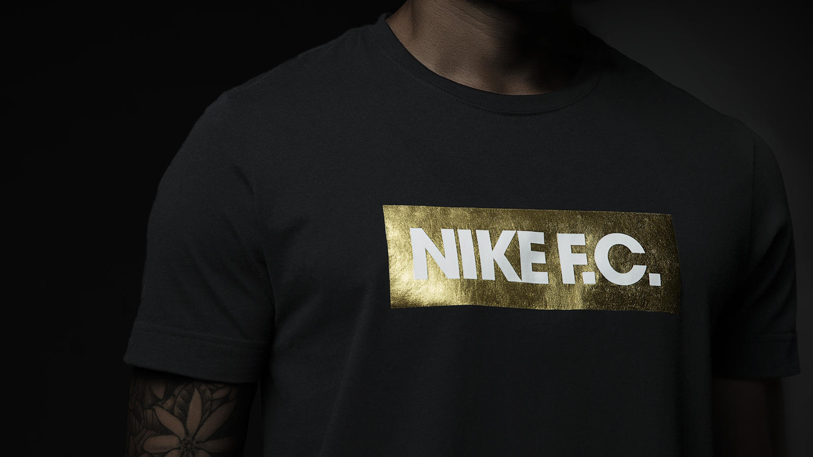 su14_nsw_nikefc_glorytee_black_002