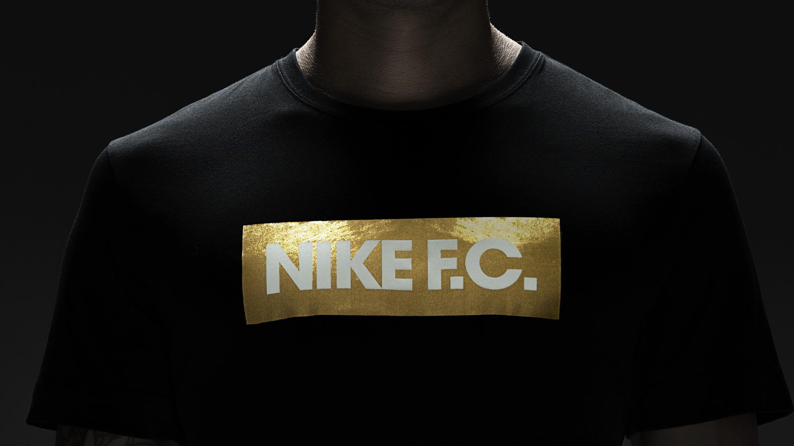 su14_nsw_nikefc_glorytee_black_001