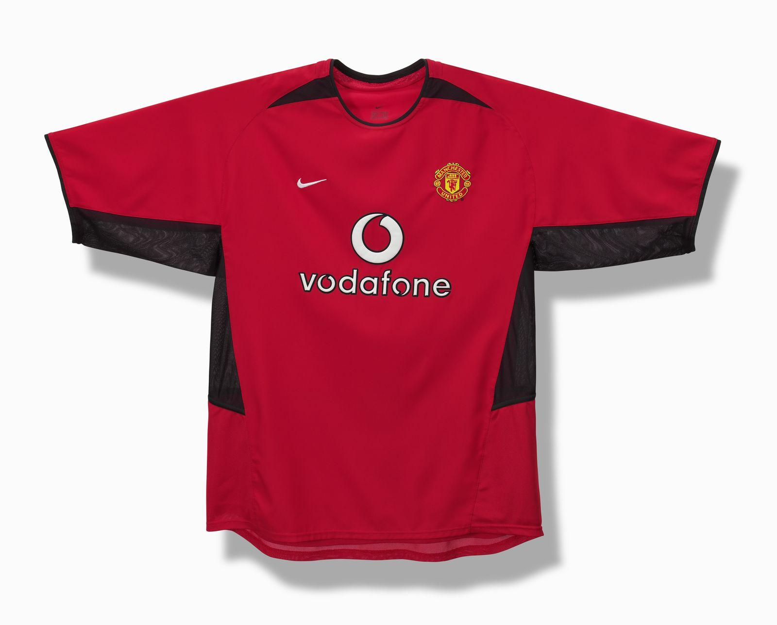 5839aa136 2001-nike-football-history-manchester-united. Nike s frist jersey for ...