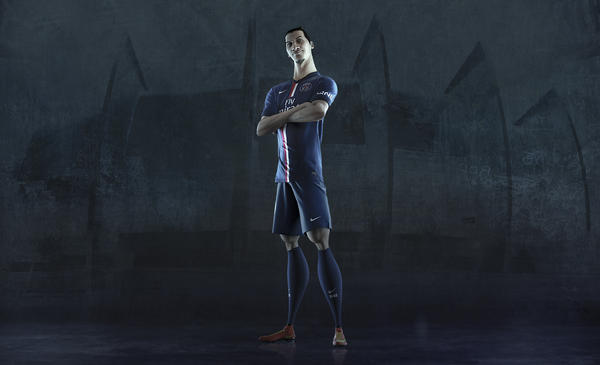 Nike and Paris Saint-Germain Unveil New Home Kit for Season 2014-15