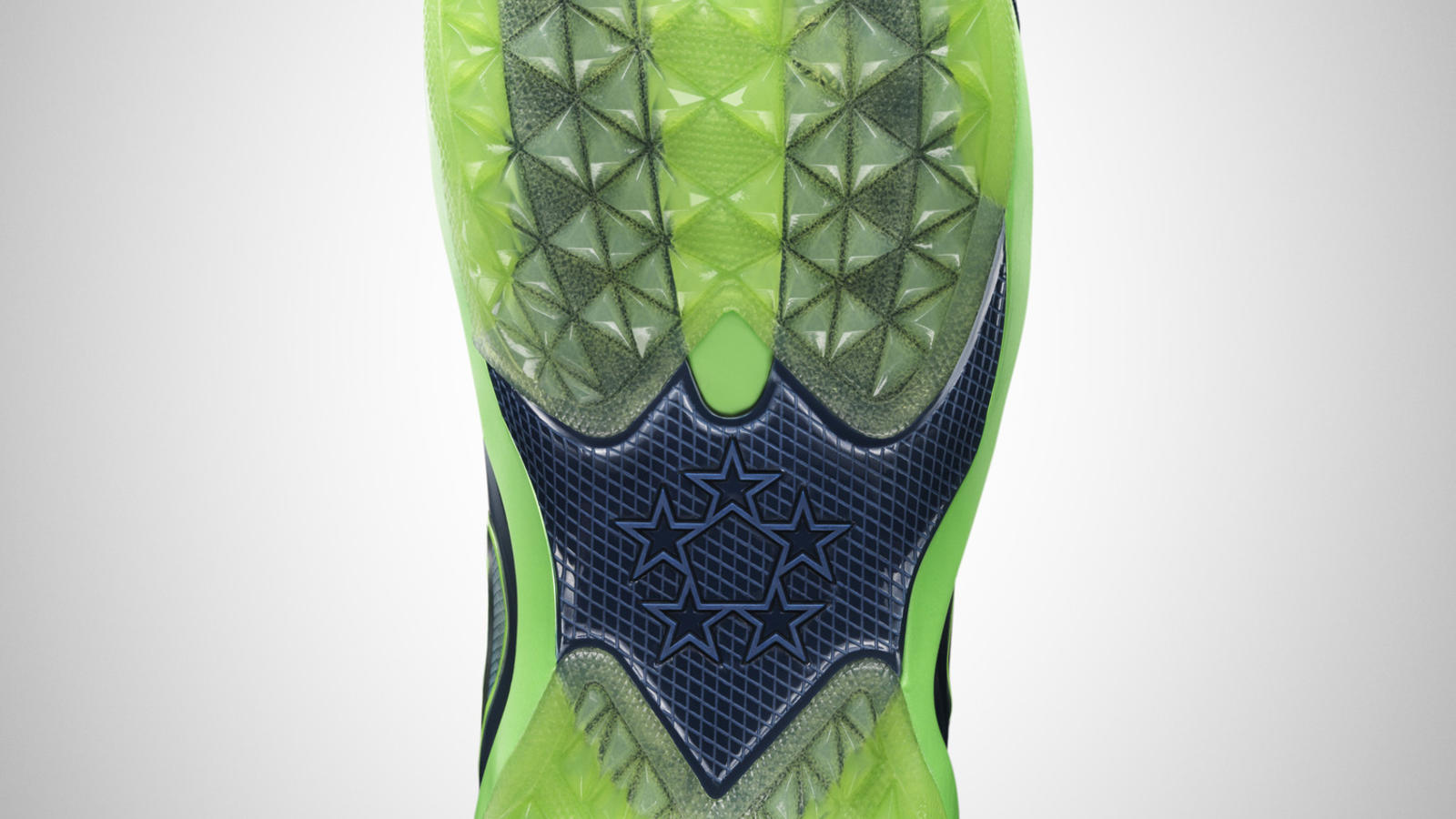 fa14_at_nfb_zoom_fieldgen_654859-wilson_outsole