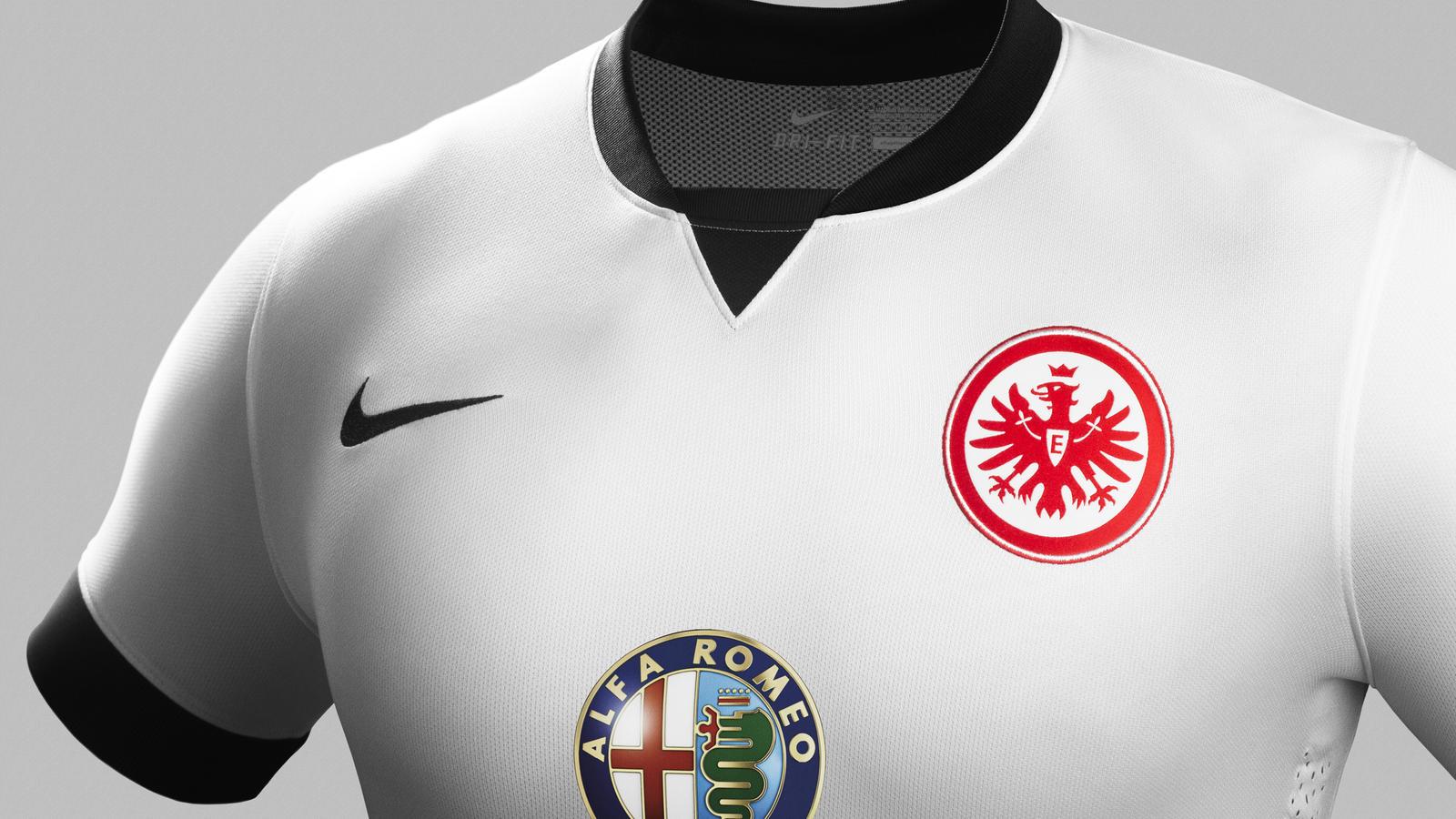fa14_match_frankfurt_pr_a_crest_r