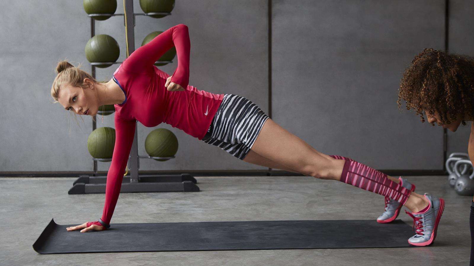 Performance Meets Style  Fall 2014 Nike Women s Apparel - Nike News 1587067ff