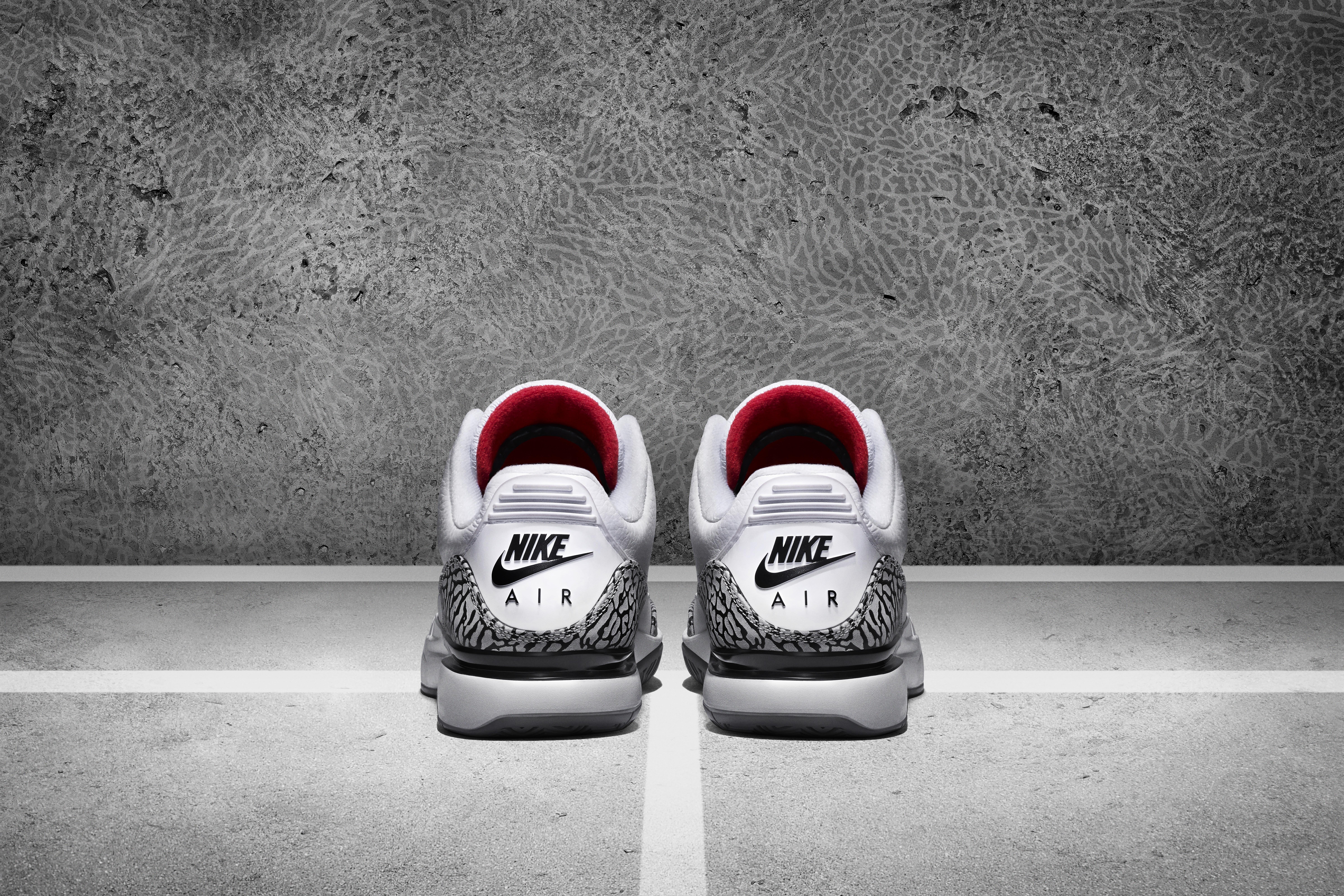 688e0dd3002 ... Air Jordan Collaboration LO · HI Roger Federer wearing NikeCourt Zoom  Vapor ...
