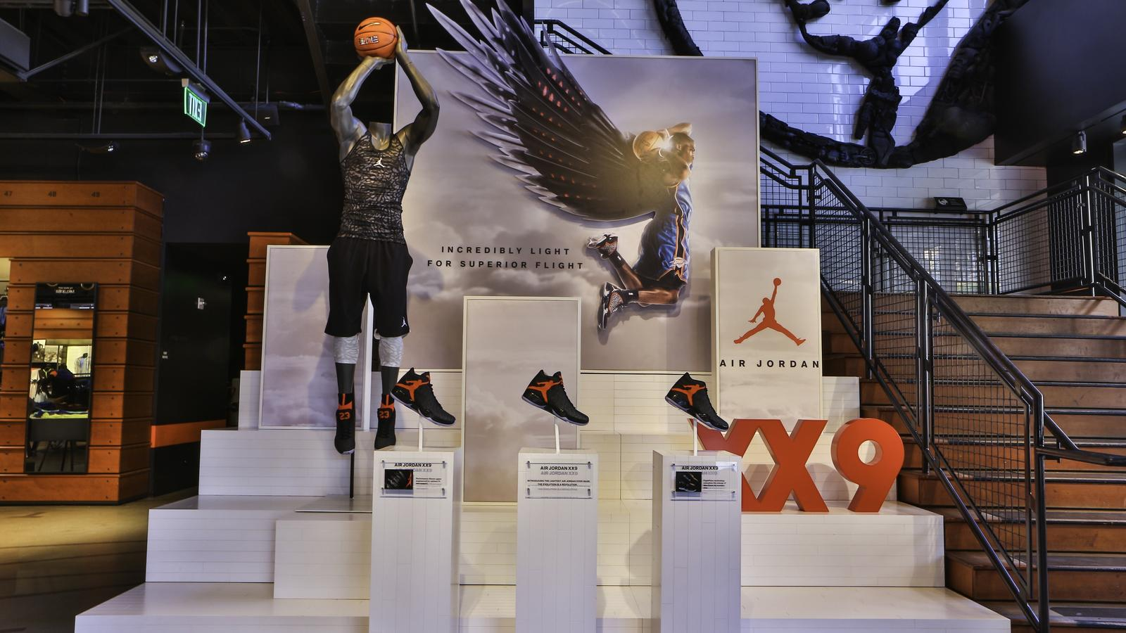 AJ XX9 NYC Retail Space