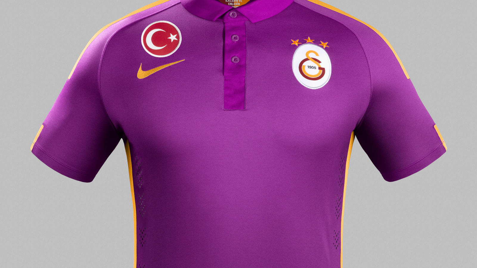 Nike_Galatasaray_Third_kit_1