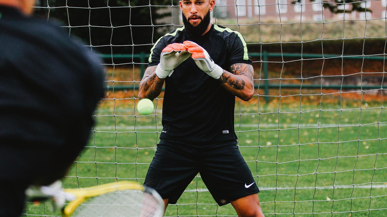 Tim Howard in training on pitch