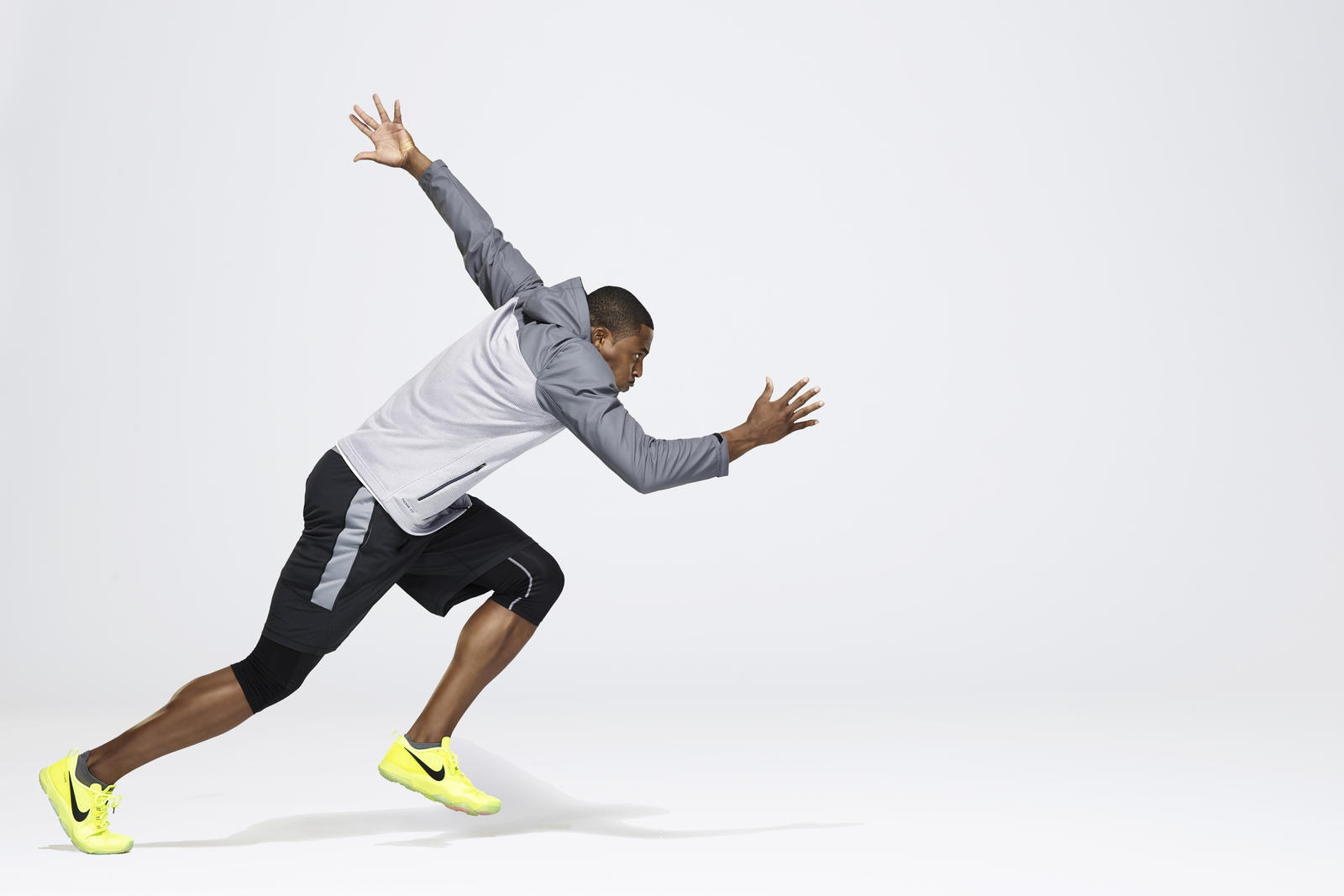 nike pro combat baselayer locks out the elements to lock in performance nike news. Black Bedroom Furniture Sets. Home Design Ideas