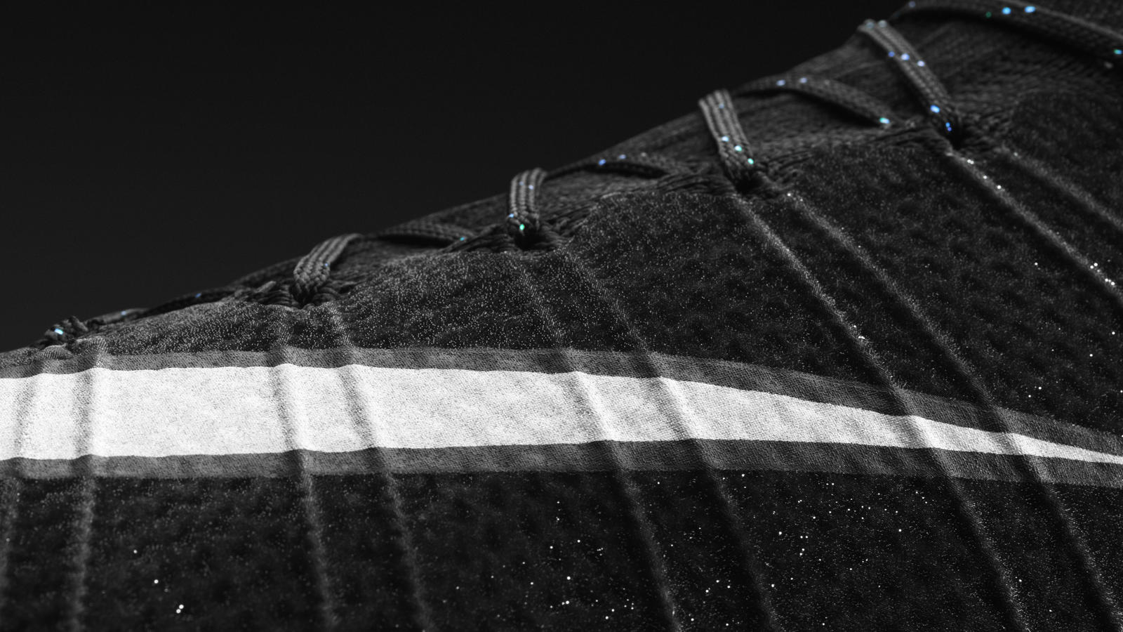 H014 Fb Cr7 Detail Middle