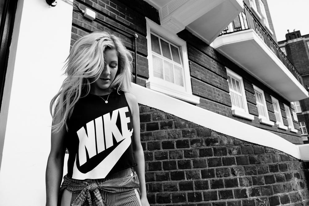 Ellie Goulding: Melodia de Movimento
