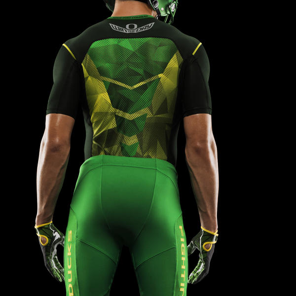 HO14_NFB_NCAA_Oregon_BaseLayer_G_095_PR
