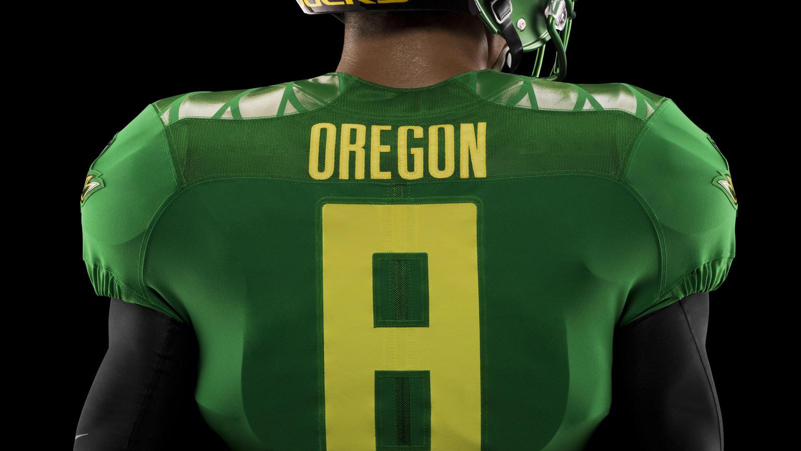 HO14_NFB_NCAA_Oregon_Details_576_PR