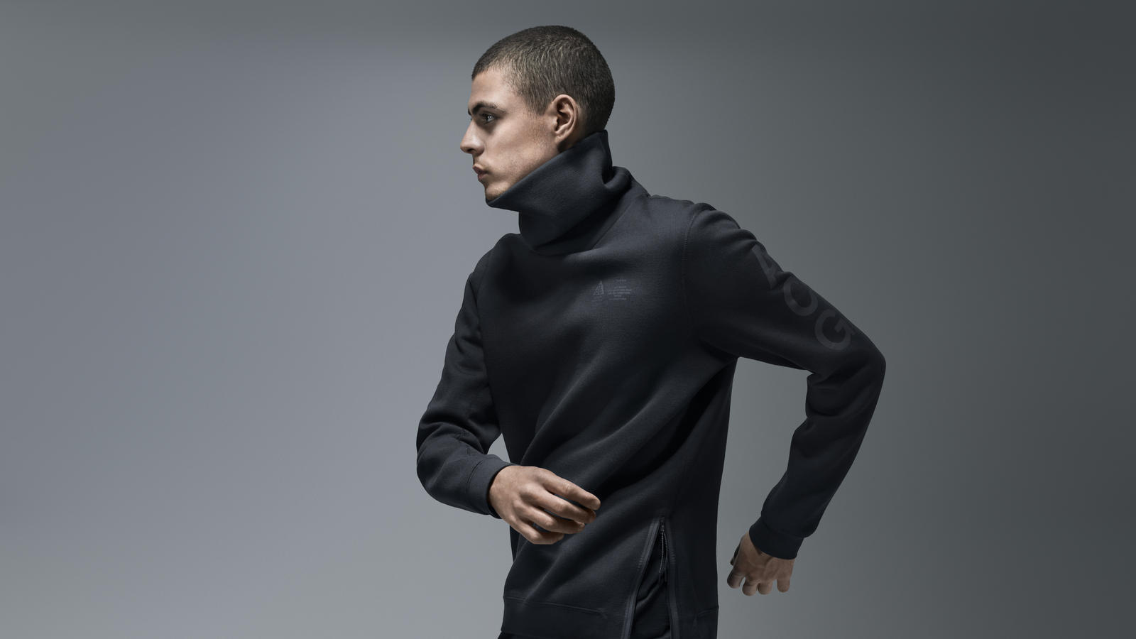 Nike ACG Funnel Neck