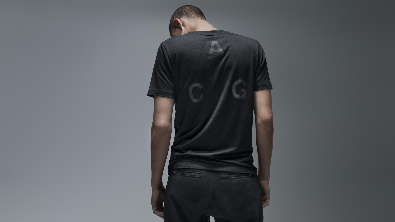 Nike ACG Pocket Tee