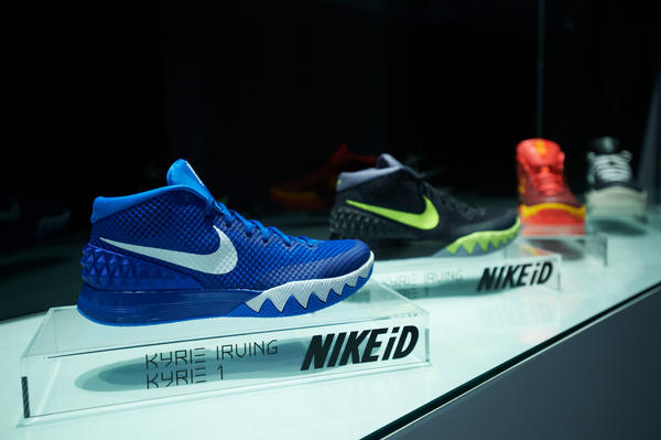 kyrie irving tennis shoes nike air max 2011