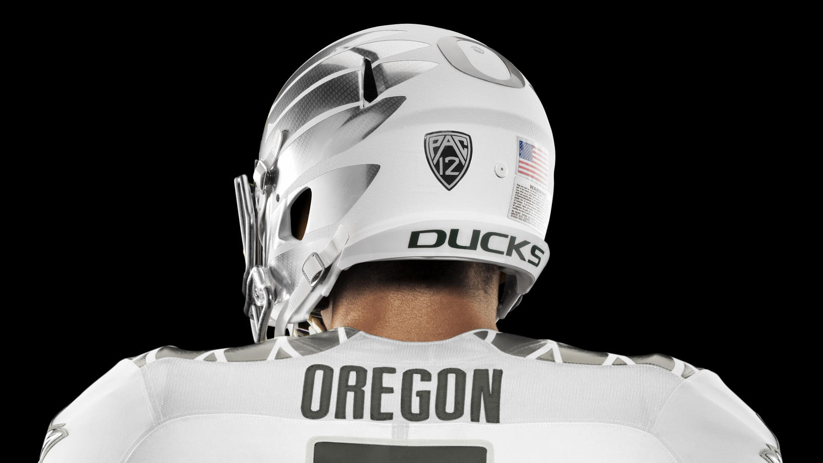 HO14 NFB NCAA Oregon Uniform 439 V2 crop 2 HR.  HO14 NFB NCAA Oregon Details 613 RGB crop 1 HR.  HO14 NFB NCAA Oregon PantOption 1920 V2 HR 89c85c803
